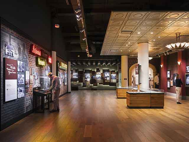 National-Blues-Museum_